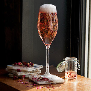 A Spring Wedding Cocktail for the Romantic Bride